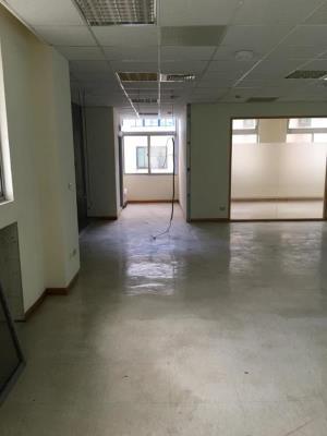 內湖辦公大樓隔間牆拆除