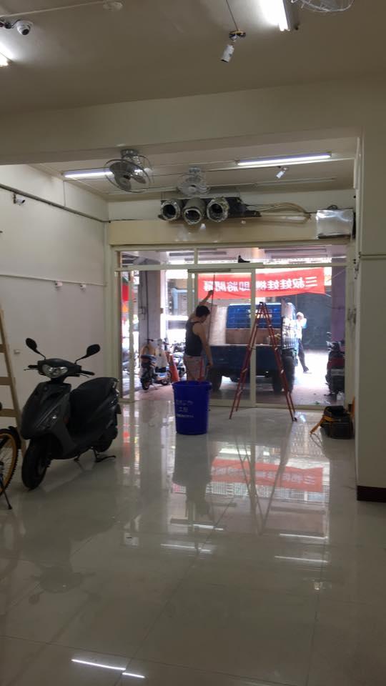 板橋店面落地窗拆除