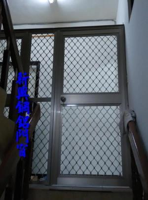 花格鋁防盜門