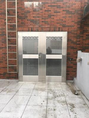 白鐵門安裝
