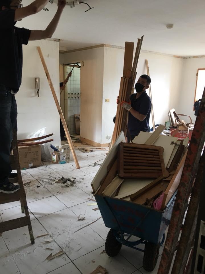 台北全室木作拆除、地面見底、局部打除