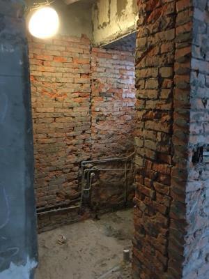 浴室牆面見底