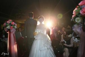 新郎新娘入場