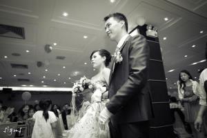 新人步入婚禮會場