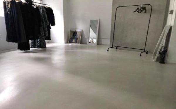 地坪白色(搭配壁材牆面)