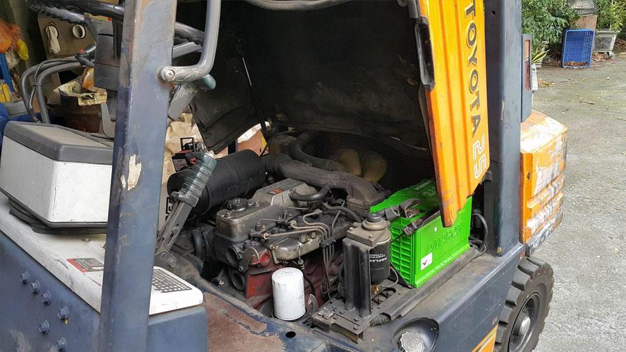 感謝公司行號的老闆 不惜重金 為公司的堆高機換上愛馬龍125D31R銀合金電池 誰說堆高機不可裝強而有力 壽命又長的愛馬龍 讚啦!