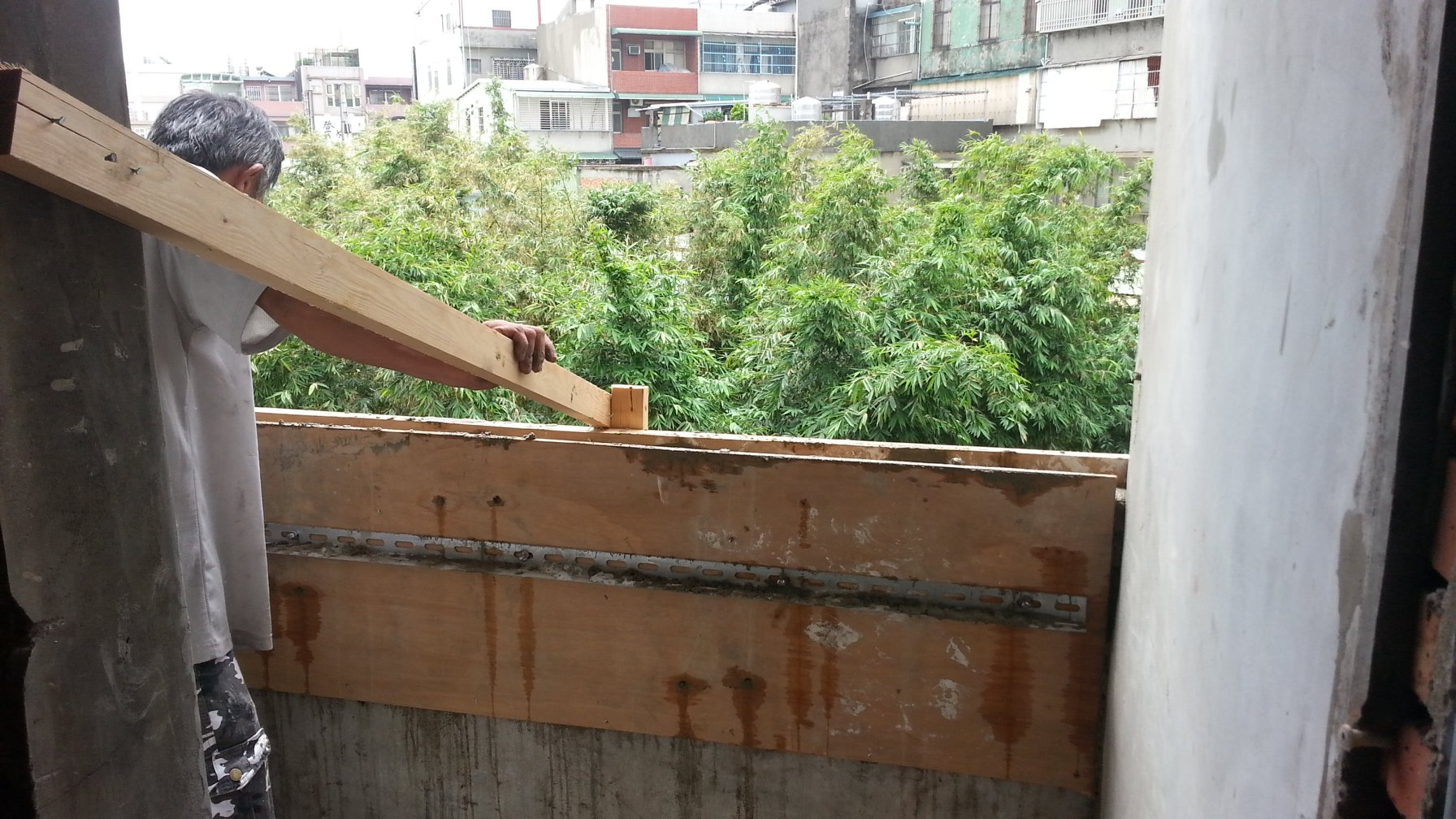 桃園兒女牆加高板模工程