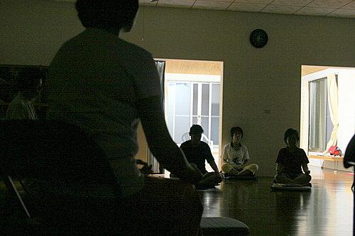 【十日自然療法】靜坐與瑜珈