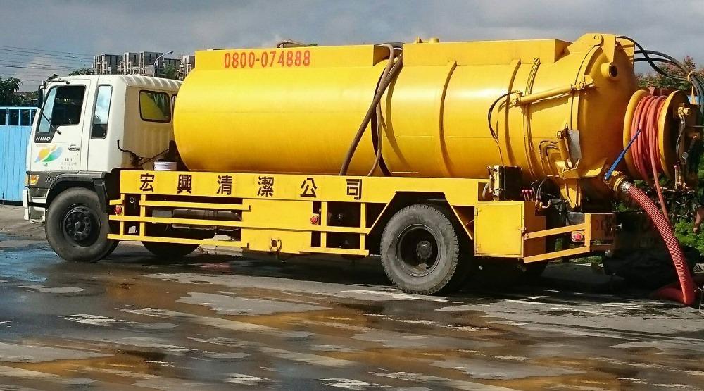 台中抽水肥-馬桶疏通-水塔清洗 宏興清潔公司