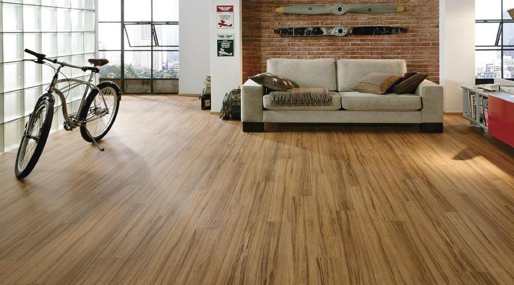 木地板較磁磚柔和,是大多住家的首選地板材質。