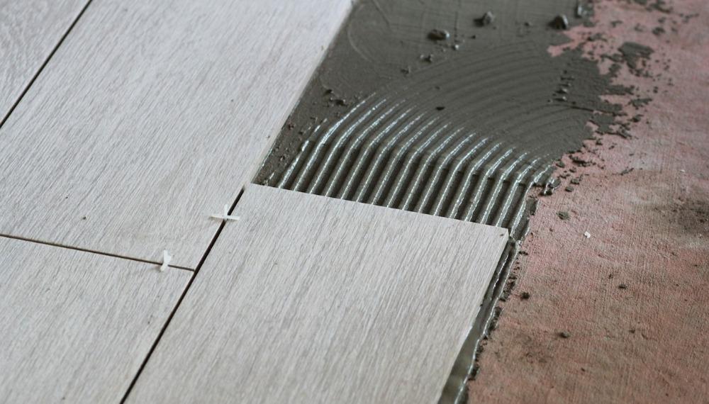 膠料的選用,是決定磁磚存亡的關鍵