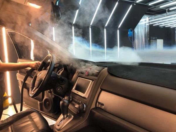 汽車內裝蒸氣清洗