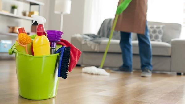 <b>問:請問假日有提供清潔服務嗎?</b>