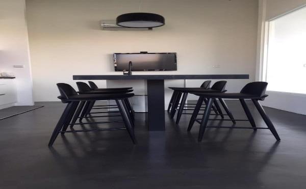 黑色地坪居家餐廳
