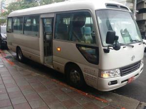 20人巴士
