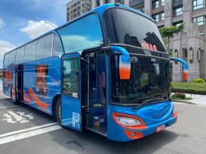 45人豪華旅遊大巴士(四排座椅)