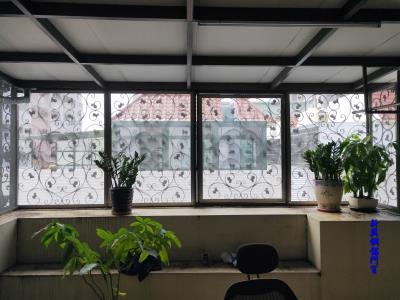 鍛造防盜窗增設紗網