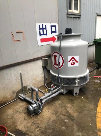 日立水冷式箱型機風管型配置