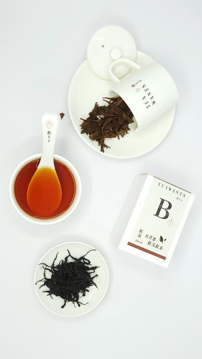 日月潭紅玉紅茶(台茶18號)