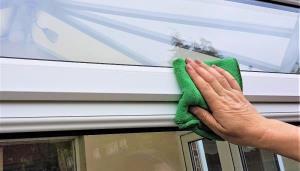 延長門窗壽命的秘訣,清潔潤滑是關鍵|家家門窗工程行