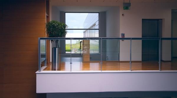 台北修理紗窗紗門-換玻璃-鋁門窗安裝修理 家家門窗工程行