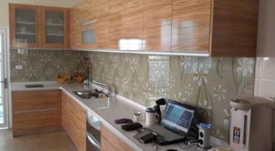 彰化系統廚具推薦,結合玻璃彩繪打造品味廚房|采奕廚具家飾
